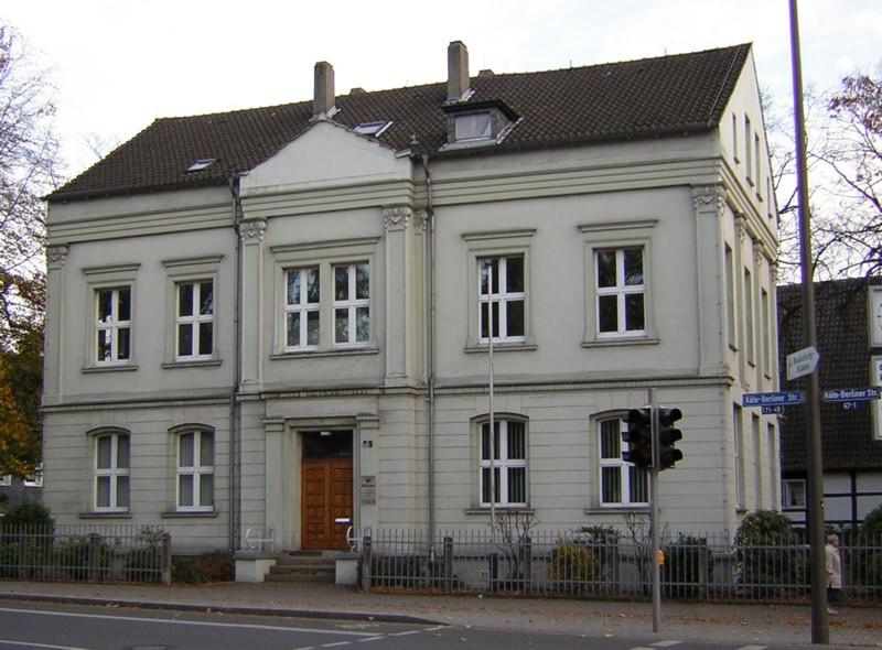 Köln-Berliner-Str. 49, 2004