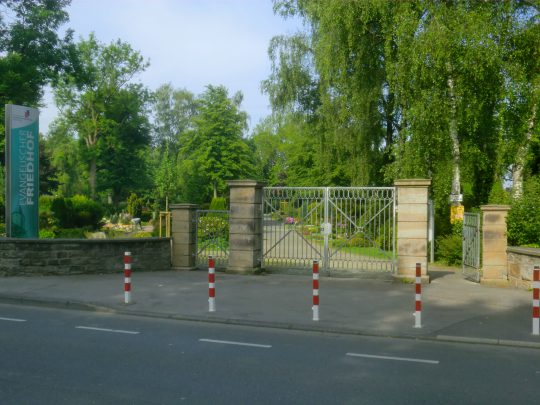 Evangelischer Friedhof, Eingang von der Aplerbecker Straße (Aufnahme: Klaus Winter, Mai 2019)